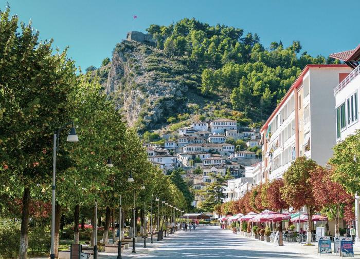 Власти Албании ввели безвизовый режим для граждан России
