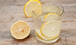 8 причин начать день со стакана лимонной воды
