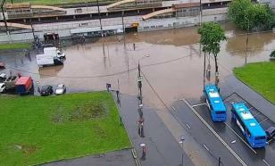 В Москве под водой оказались 30 участков автомобильных дорог