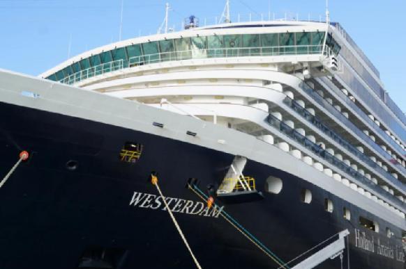 Туристы из России покинули круизный лайнер Westerdam