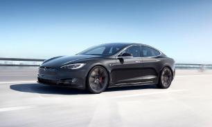 """Tesla научит свои электромобили """"разговаривать"""""""