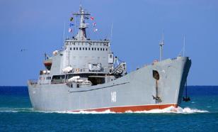 В Севастополе военные моряки спасли тонущего местного жителя