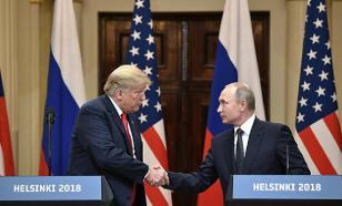 """Трамп часто """"заигрывает"""" с Путиным во время разговоров по телефону"""