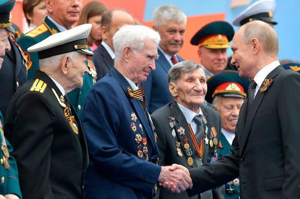 Празднование Дня Победы в России перенесли