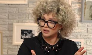 """Дроздова объяснила, почему на могиле Волчек появился """"ужасный"""" памятник"""