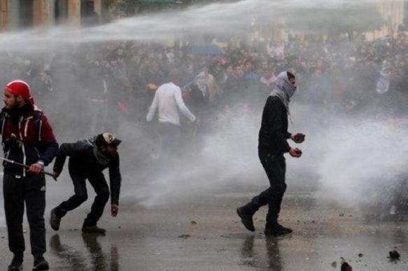 В столице Ливана демонстрантов разгоняют слезоточивым газом
