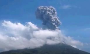 В Индонезии проснулся самый мощный вулкан Левотоло
