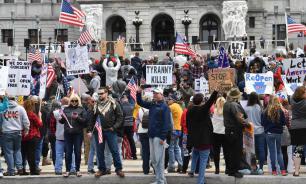 Facebook начал удалять призывы американцев к протестам