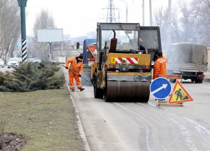 Под Липецком уложили асфальт через 40 лет после ремонта дороги