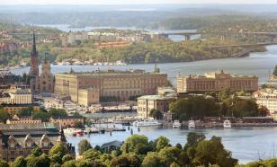 Эксперт: отказ от карантина не помог экономике Швеции