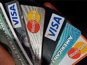 СМИ: Россияне массово отказываются от кредиток