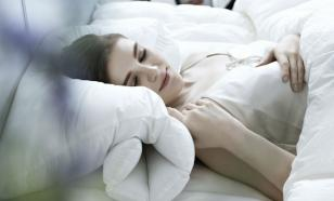 Невролог раскрыл самую полезную позу для сна