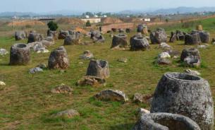 """Археологические загадки: """"сосуды для мертвых"""" из Лаоса"""