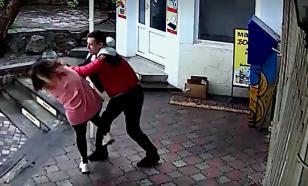 Крымский тренер MMA избил продавщицу из-за замечания про маску