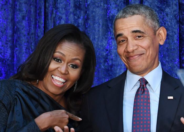 СМИ: Обама снимет комедийный сериал о невзгодах администрации Трампа