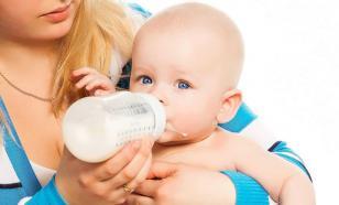 В бутылках с детской смесью обнаружили миллионы частиц микропластика