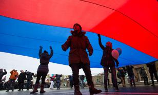 Социологи: Большинство россиян требует игнорировать западную критику