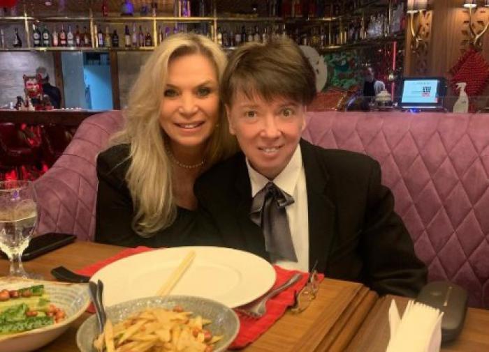 Борющийся с раком Валентин Юдашкин испугал своей чрезмерной худобой