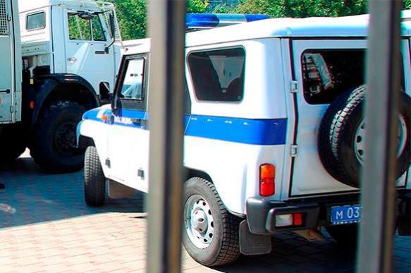 Полицейских уволили за групповое изнасилование блондинки-участкового