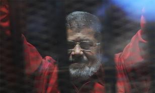 Экс-президенту Египта Мухаммеду Мурси отменили пожизненный приговор