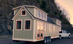 Необычный дом на колесах: мужчина показал, как он выглядит изнутри