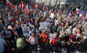 """Путин пообещал: """"Бессмертный полк"""" пройдет по Красной площади"""