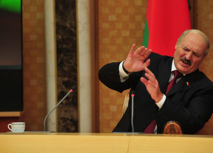 Политически Лукашенко себя полностью исчерпал, считает эксперт Зотов
