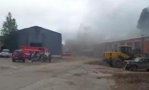 В Сыктывкаре загорелся гараж на площади 700 квадратных метров