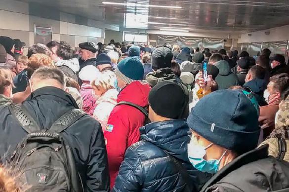 Власти вынудили москвичей нарушить санитарные правила