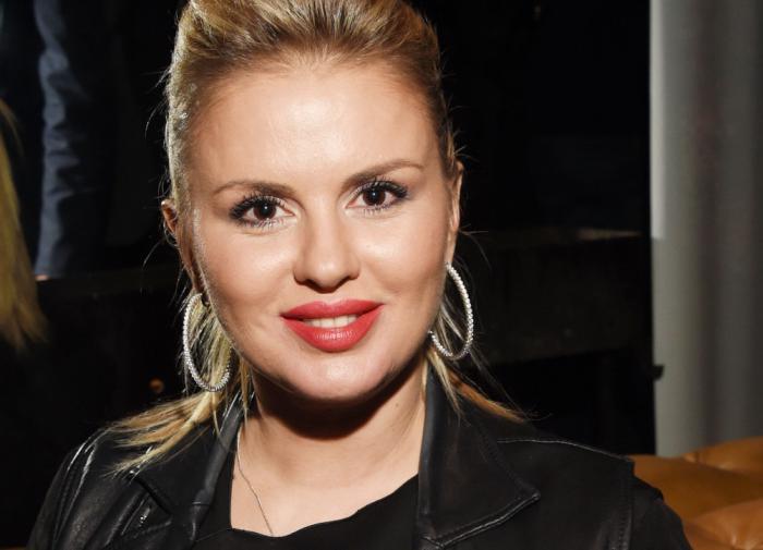 Поклонники раскритиковали Анну Семенович за лишний вес