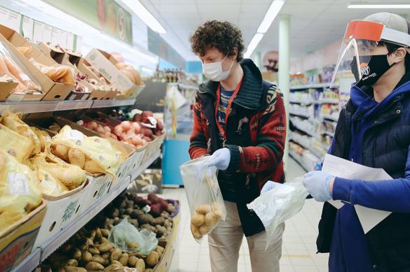 Почти 113 тысяч раз доставили продукты москвичам соцработники