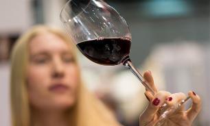 За год 7 человек отравились спиртным в Волгоградской области