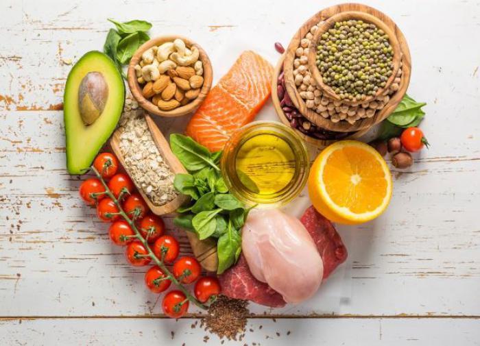 Гинзбург назвал продукты, влияющие на работу мозга
