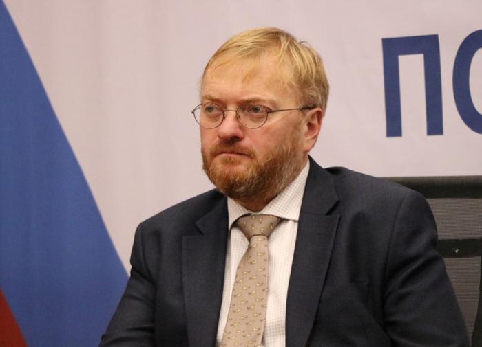 О взрыве антироссийских чувств в Азербайджане рассказал депутат Милонов