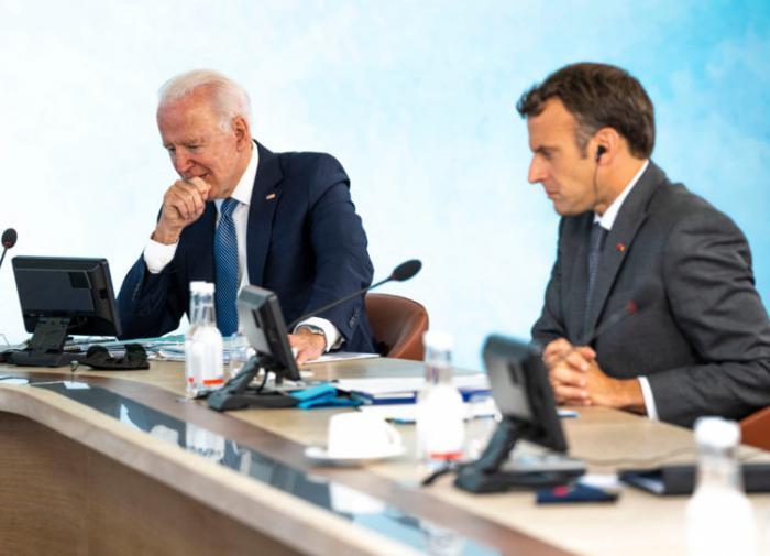 Байден уговорил Макрона не обижаться: посол Франции возвращается в США