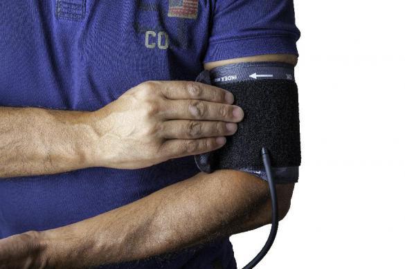 Кардиологи: есть четыре причины по которым повышается давление