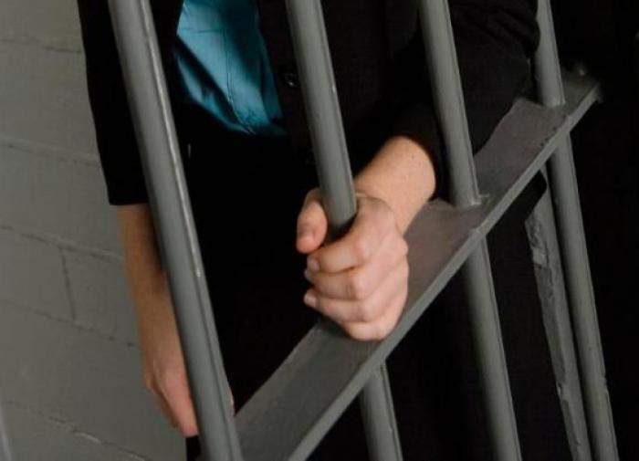 Суд вынесет приговор женщине, которая убила любовника, сев ему на шею