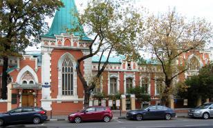 В московском музее имени Бахрушина обрушилась часть потолка