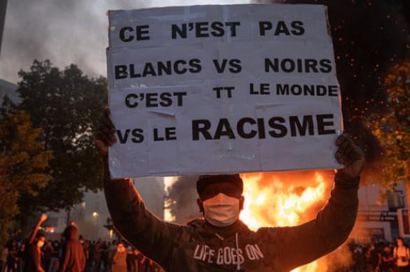 Париж: протесты против полицейского расизма и беспредела