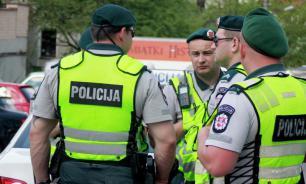Полиция Литвы займется свастикой у ворот Еврейской общины в Вильнюсе