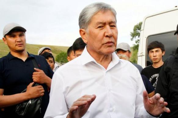 В Киргизии проходит очередной штурм резиденции Алмазбека Атамбаева