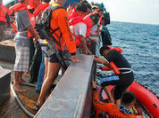 Жертвами крушения парома на Филиппинах стали 38 человек