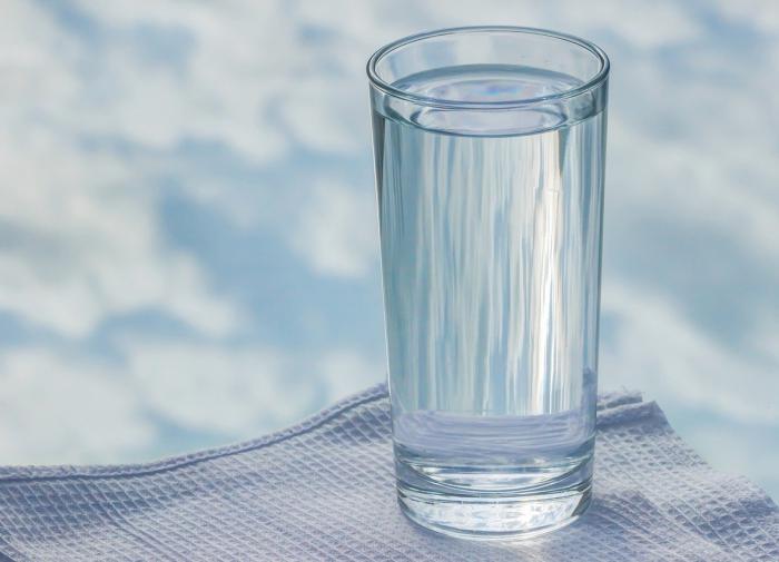 Вода помогает избавиться от лишних килограммов