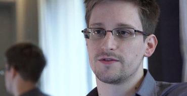 АНБ обещает Сноудену амнистию, если он вернет секретные документы