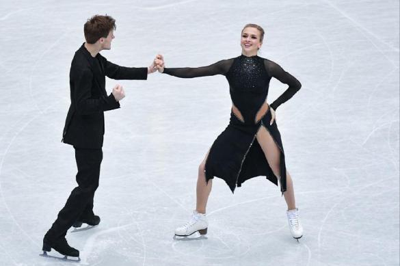 Попова и Мозгов снялись с чемпионата России по фигурному катанию