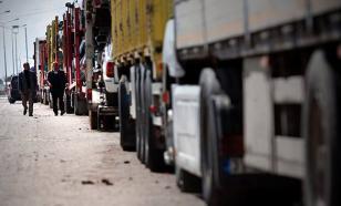 Во Львовской области заблокированы 13 российских фур, полиция покинула место ЧП