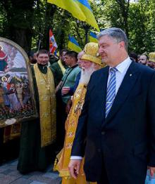Порошенко поручил проверить информацию о захватах храмов канонической УПЦ
