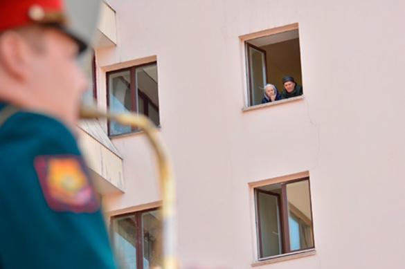 В Хабаровске военные дали концерт возле Дома ветеранов