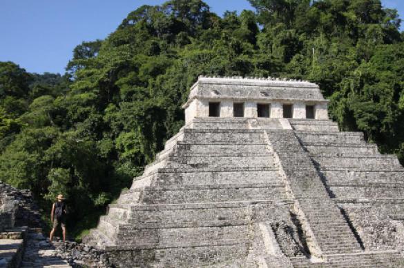 В Гватемале расшифровали письмена на стеле майя возрастом 2000 лет