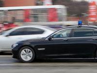 У водителя спецавтомобиля Минобороны отобрали права за ДТП.